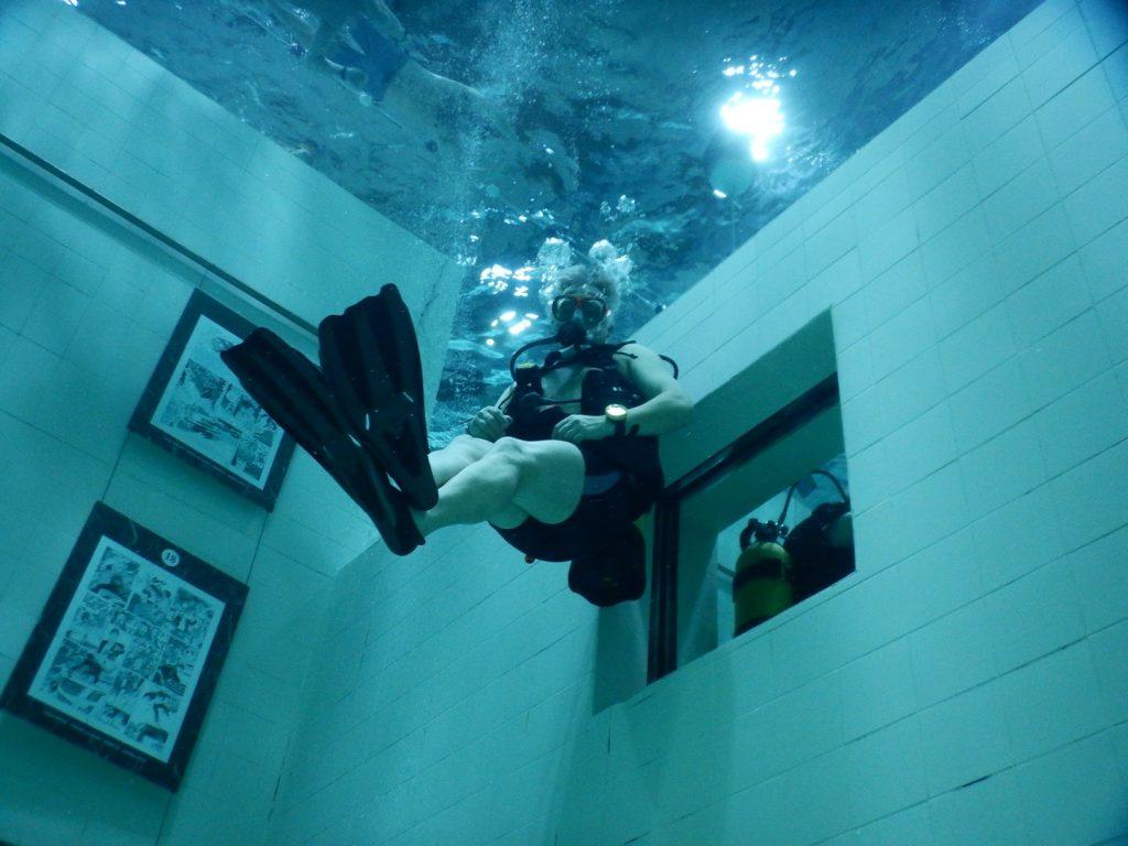Duiken zwembad lessen Relax Divers